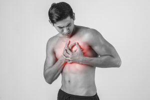Bañarse con agua caliente podría generar problemas al corazón